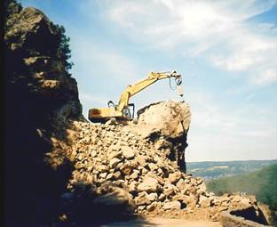 Débitage après pré-découpage porteur 954 HD – BRH 4,5 tonnes