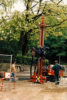 fondation pour un pont - forage de micropieux, foreuse hydraulique