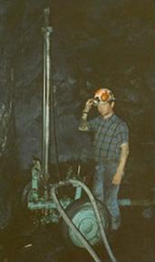 Forage au CFL en galerie minière pour création d'un puits de ventilation