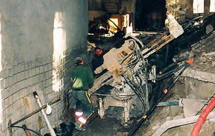 Foreuse Beretta T43 dans un bâtiment