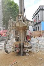 Foreuse hydraulique configurée pour la réalisation d'ancrages