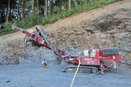 Foreuse hydraulique en travail