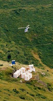 Héliportage d'une base vie autonome sur zone